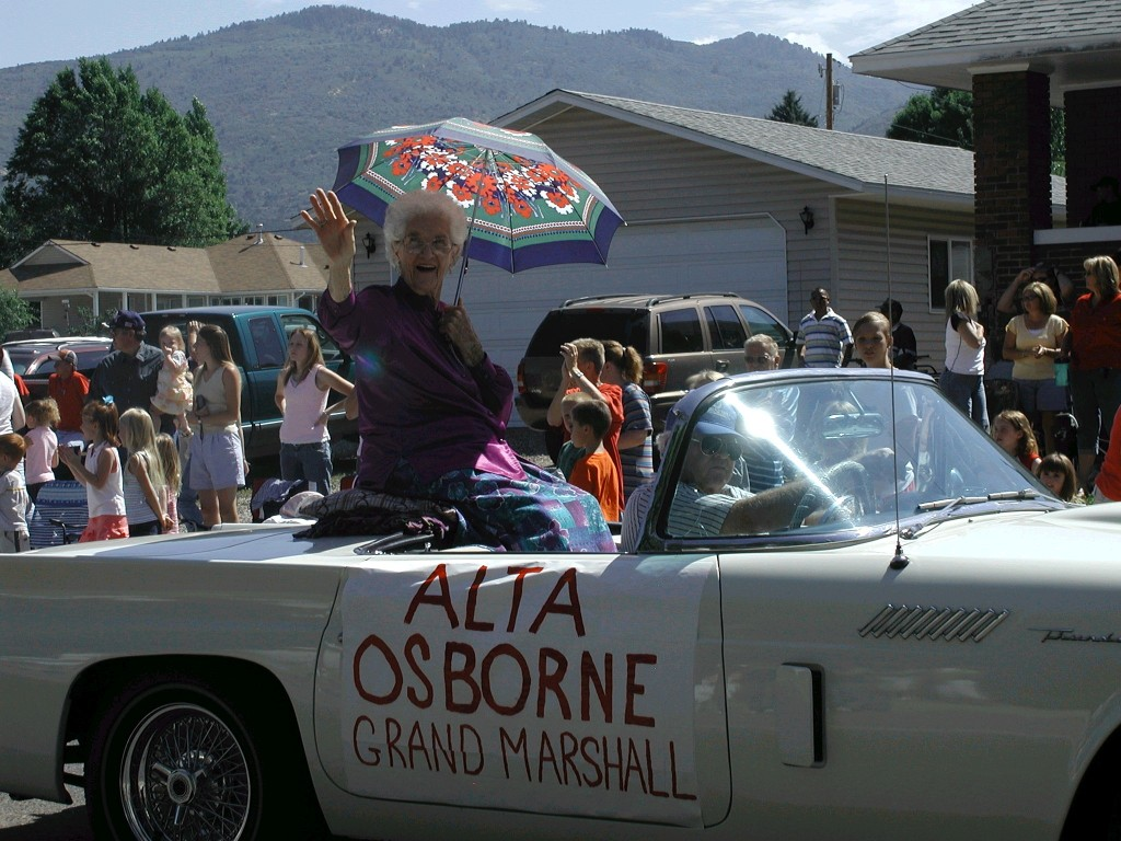 parade-granny-1024x768